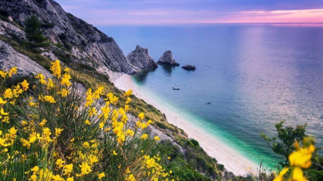 le 10 spiagge più belle delle marche